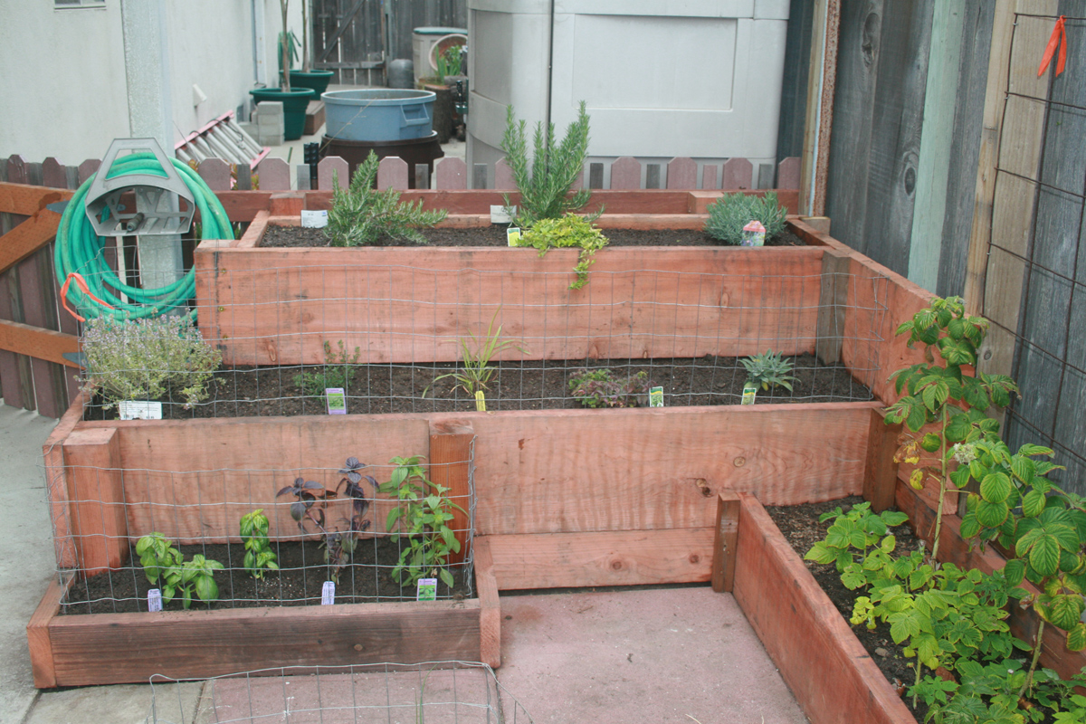 Wonderful Tiered Garden Planters Designs